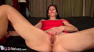 USAwives Penny Jones Granny and Rubber Adult Toys
