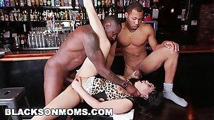 BLACKSONMOMS - Tag Teaming A Hot MILF Bartender (xa15201)